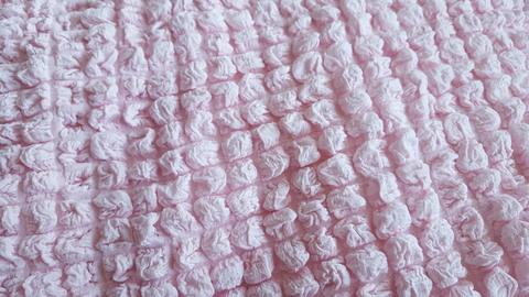 Чехол на 3-х местный диван розовый.