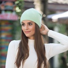 Зимняя шапка из пуха кролика (нежно-зеленая)
