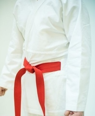 Кимоно и пояса Кимоно для рукопашного боя с прорезями для пояса iaEvX2JXJmM.jpg