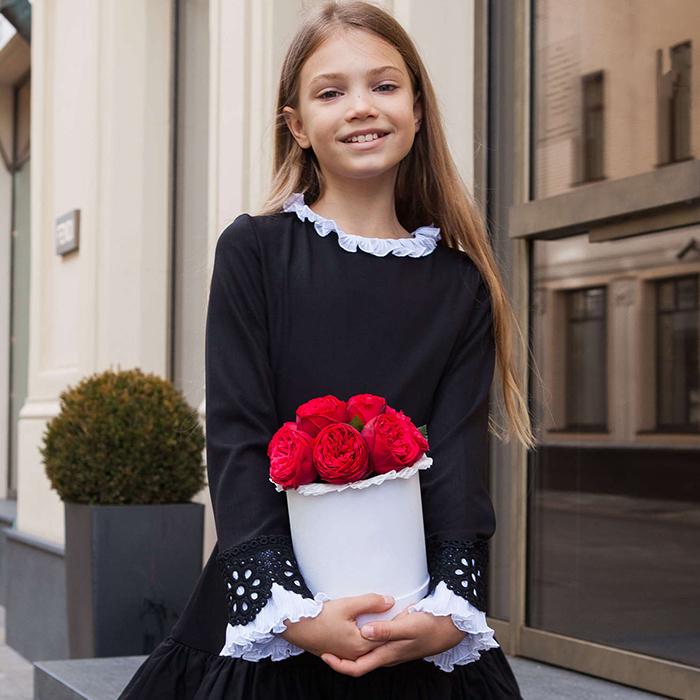 Купить небольшой букет 9 кустовая пионовидная красная роза Ред Пиано в Перми