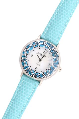 Часы на голубом кожаном ремешке с голубым циферблатом