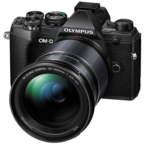 Olympus OM-D E-M5 Mark III Kit 12-200 mm Black