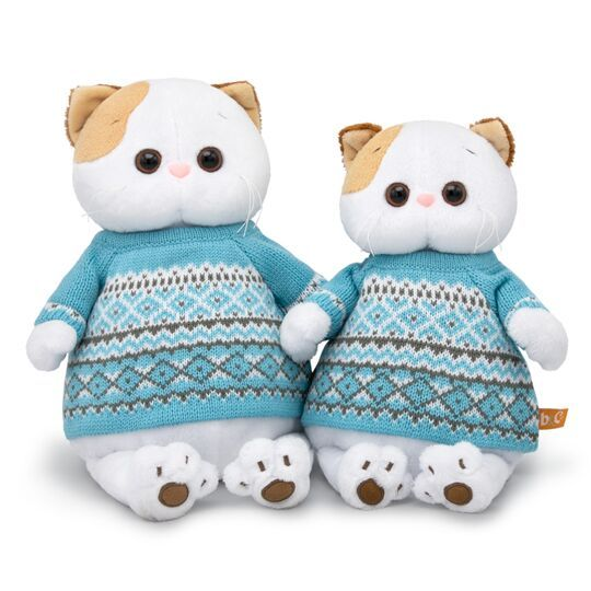 Кошечка Ли-Ли в свитере