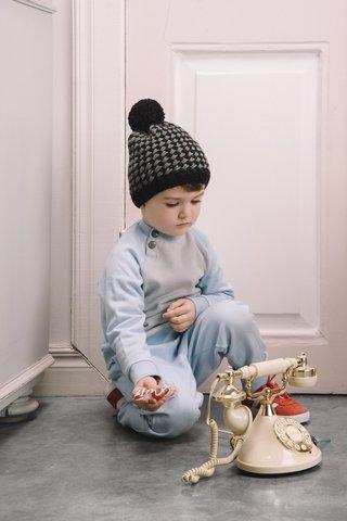 Черно-серая шапочка для мальчика