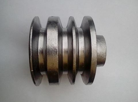 Шкив трехручейковый для двигателя под круглый вал 19мм.