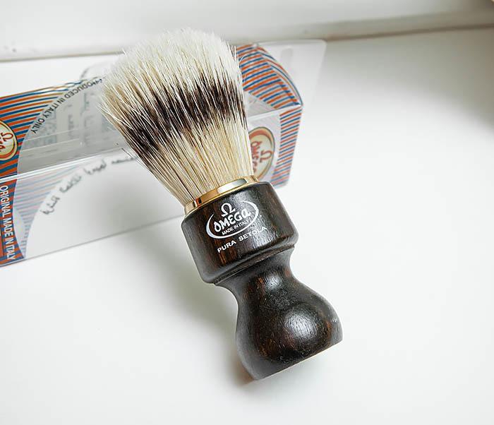 RAZ503 Помазок «OMEGA» с рукояткой из дерева, щетина кабана фото 04