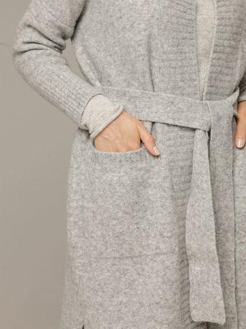 Женский серый кардиган на поясе с карманами - фото 4