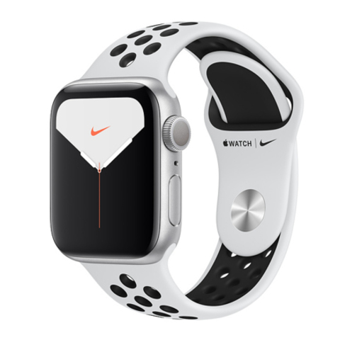 Apple Watch Series 5 Nike+ GPS, 40mm, корпус из алюминия серебристого цвета, спортивный ремешок цвета «чистая платина/чёрный»