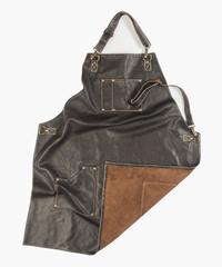 Мужской брутальный кожаный фартук тёмно-коричневый ручной работы с удобными нагрудным карманом и двумя боковыми, с регулирующимся ремнём Brewer Lab 17112 из импортной натуральной кожи