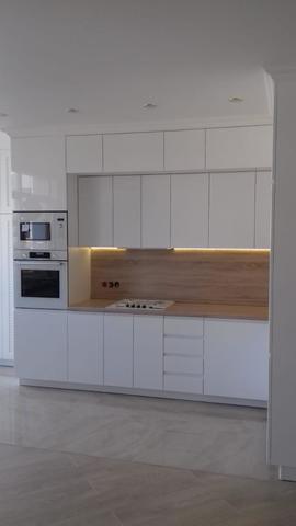 Кухонный гарнитур белая эмаль
