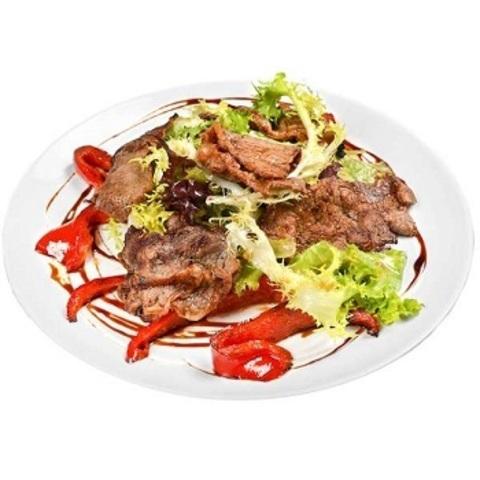 Салат теплий з телятиною і французьким соусом