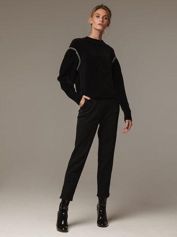 Женский черный джемпер с объемными рукавами - фото 3