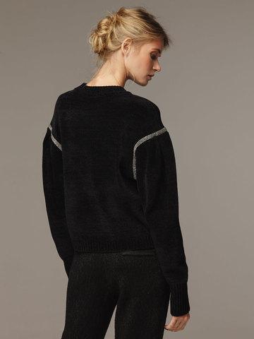 Женский черный джемпер с объемными рукавами - фото 2