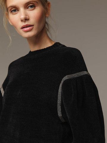 Женский черный джемпер с объемными рукавами - фото 4