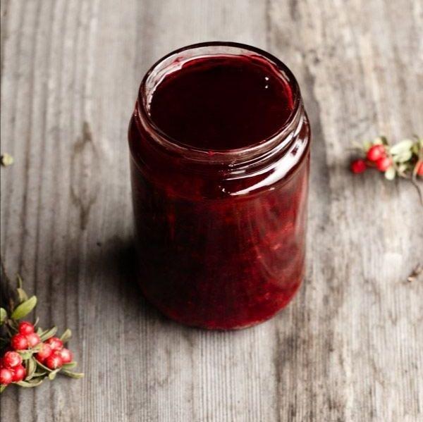 Варенья Конфитюр из клюквы с брусникой (без косточек) cran-lingonberry-confiture-01.jpg