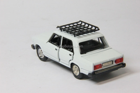 VAZ-2107 Lada with roof rack white Agat Mossar Tantal 1:43