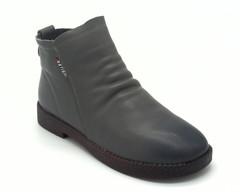 Серые ботинки из мягкой кожи