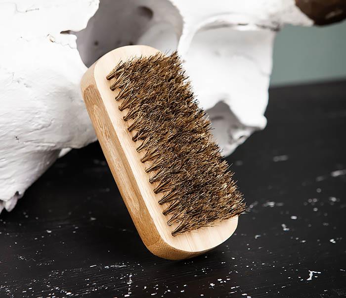 RAZ448 Крупная щетка для бороды из дерева фото 06