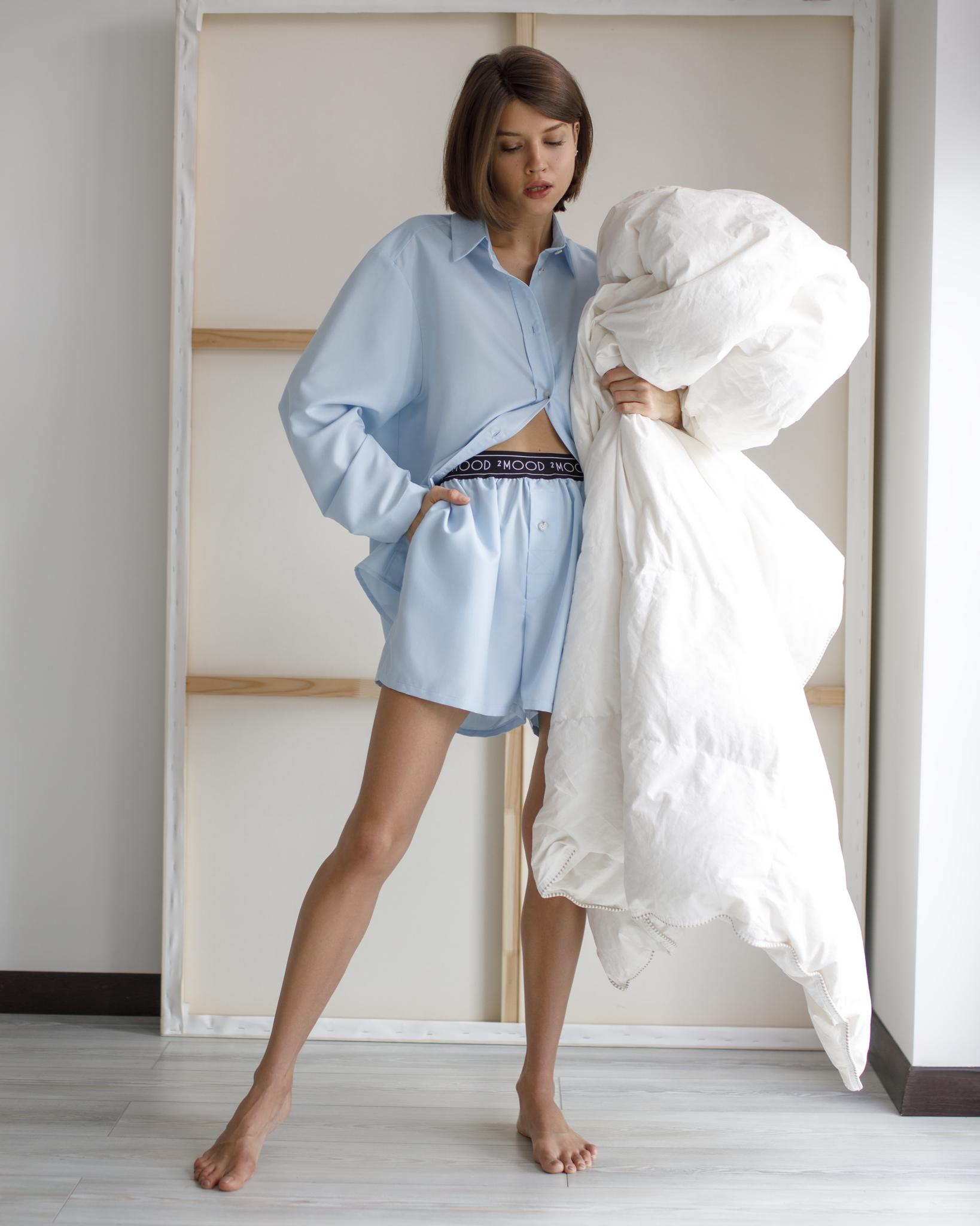 Комплект: рубашка с шортами голубого цвета фото