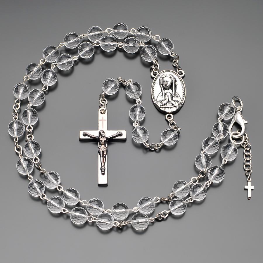 Бусы из горного хрусталя  с крестом