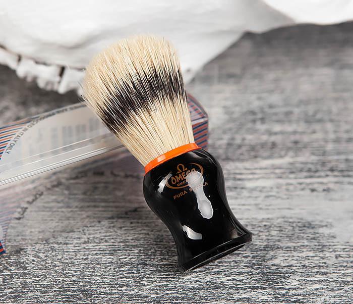RAZ11574 Итальянский помазок Omega из щетины кабана