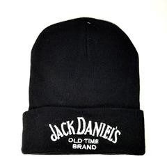 Вязаная шапка с вышивкой Джек Даниэль (Jack Daniels) черная