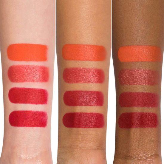 Губная помада Studded Kiss Crème Lipstick