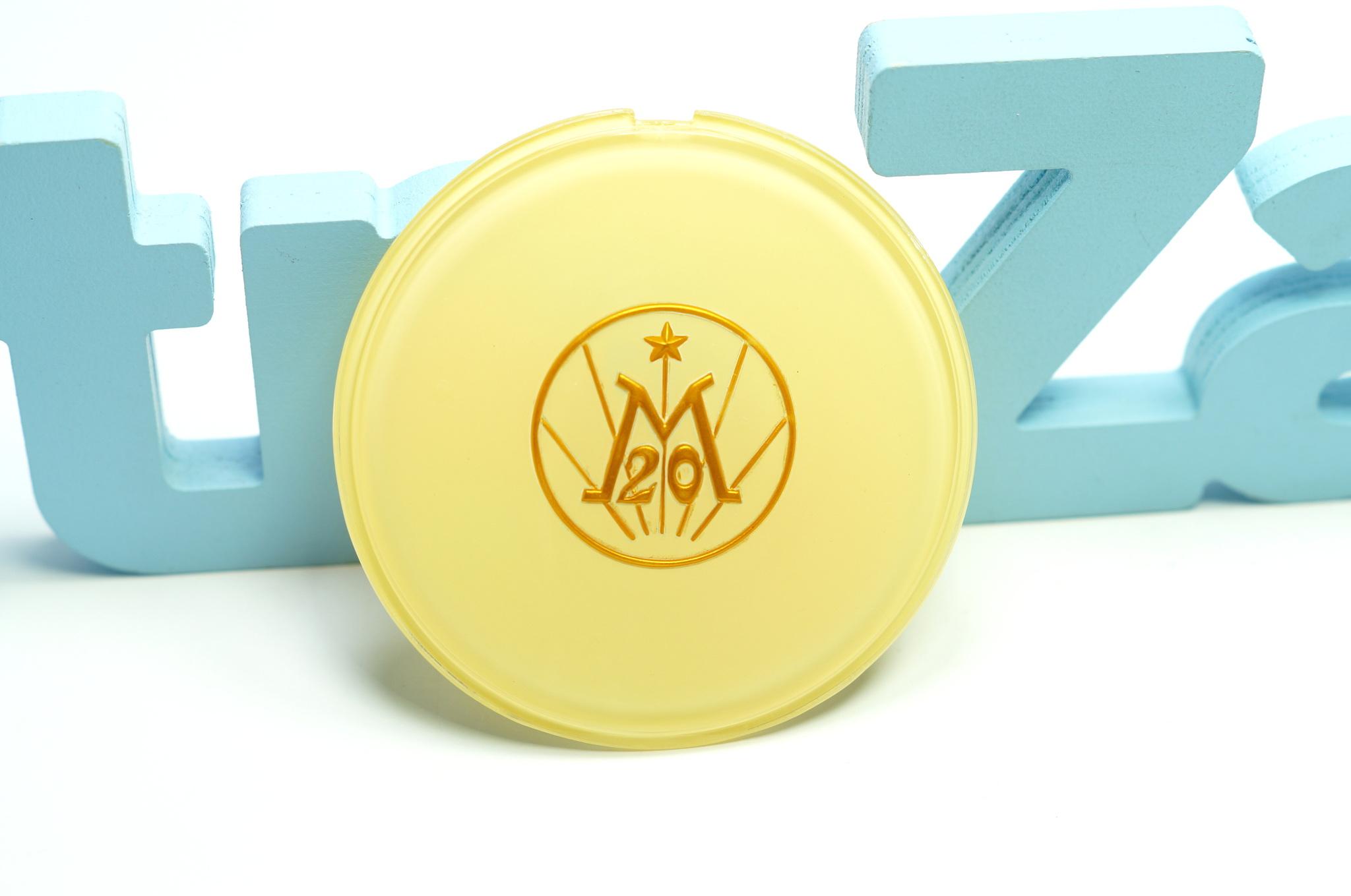 Эмблема руля пластиковая Газ 20 3 серии