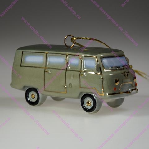 Фарфоровая игрушка УАЗ-452