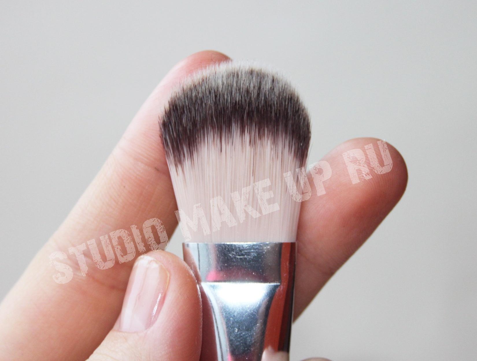 Кисть для тонально крема и основ TF cosmetics HBF-01