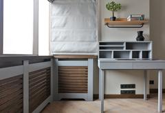 стол из 100% массива дуба, радиаторные решетки двухцветные: мокко и серый дуб.