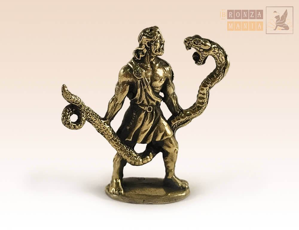 зодиак Змееносец (13 знак) на янтаре