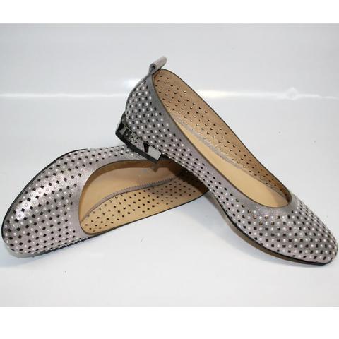 Кожаные балетки с перфорацией. Летние туфли на низком каблуке Kluchini.