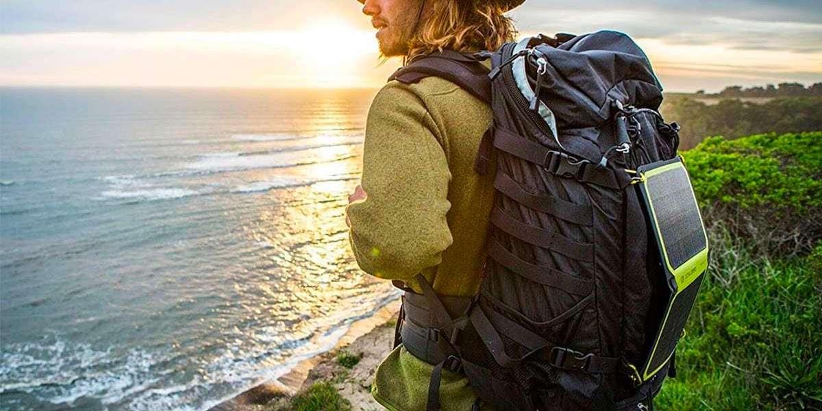 Солнечная панель Goal Zero Nomad 7 Plus на рюкзаке