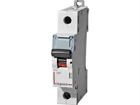 Автоматический выключатель DX-E 6000 - 6 кА - тип характеристики C - 1П - 230/400 В~ - 1 А - 1 модуль. Legrand (Легранд). 407256