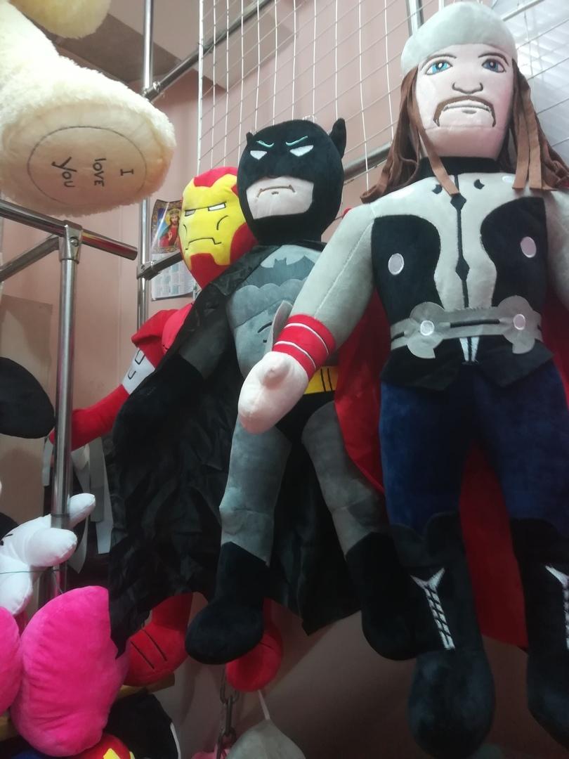 Огромные мягкие игрушки: Тор, Бэтмен, Железный человек 80 см