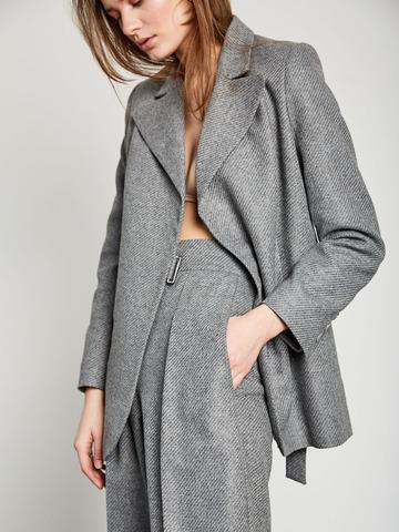 Жакет из фактурной шерсти с пряжкой серый