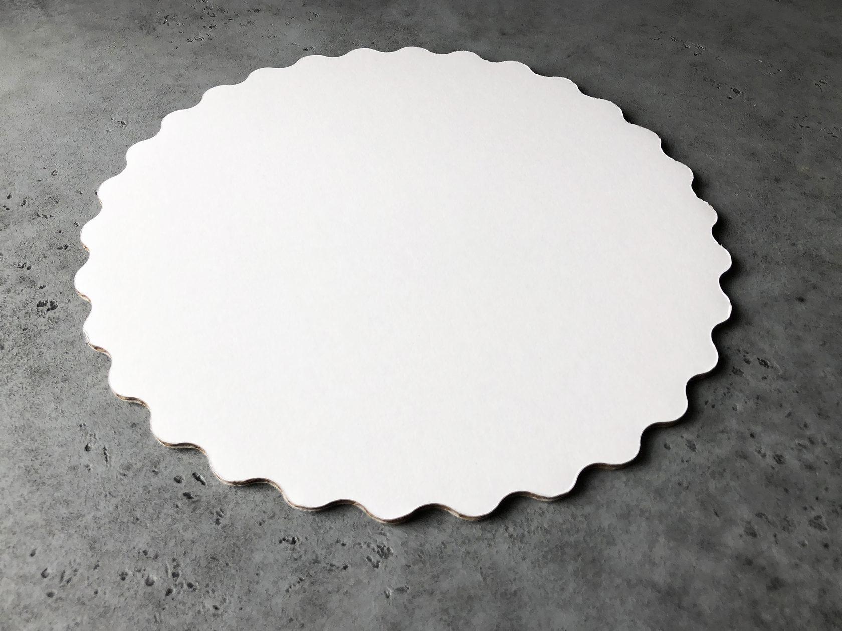Подложка узорная белая/золотая 30 см, 3,2 мм