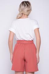 <p>Модные шорты с бантом. Функциональные карманы. Талия на резинке.</p>