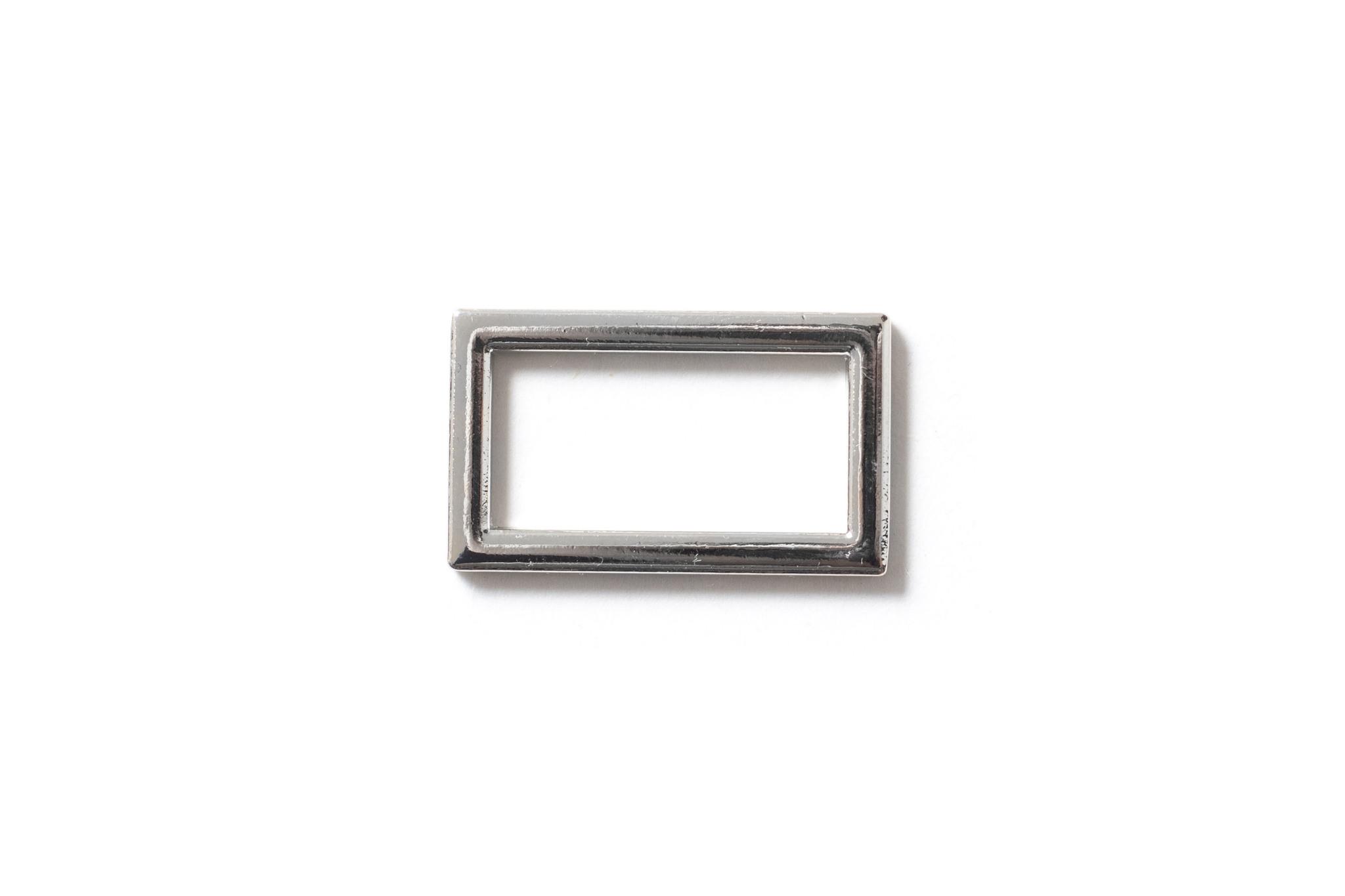 Металлическая рамка 11х25 мм, хром.