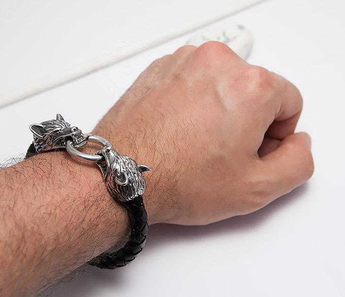 BM471 Мужской браслет из шнура со стальными волками (21 см) фото 06